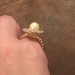 Jewelry - Faux Pearl and Rhinestones Ring in Gold Tone